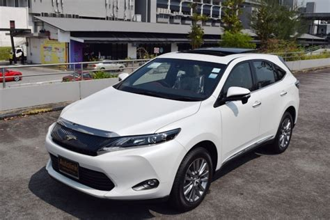 Toyota Harrier 2 0 toyota harrier 2 0a elegance with sunroof moonroof