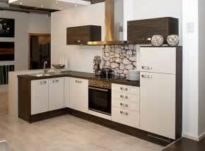 weiße küche de pumpink modernes wohnzimmer braun