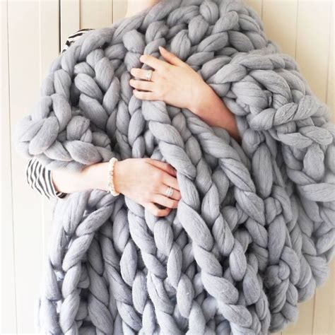 25 best ideas about chunky knit throw on pinterest thick blankets chunky blanket and knit