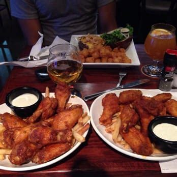 tap house des plaines tap house grill 83 photos 138 reviews american new 1472 market st des