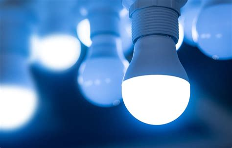 Low Cost Led Light Bulbs Competition Intensifies As U S Led Bulb Price Hits New Low Electronics Feed