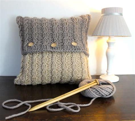 cuscini maglia 1000 idee su cuscino a maglia su buttare le