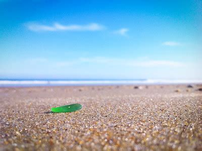 searching for seaglass on the outer banks the coastal
