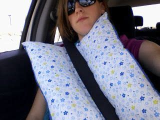 Travel Pillow Tutorial by Travel Pillows Pillow Tutorial And Pillows On