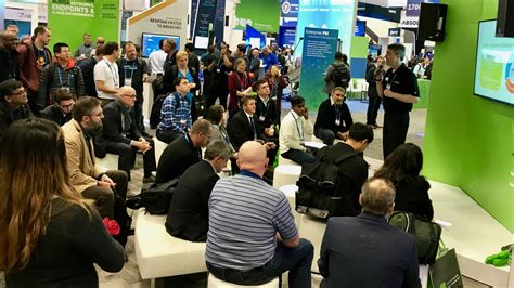 trade show presenter spark presentations spark trade show presenter shines at san fran tech show