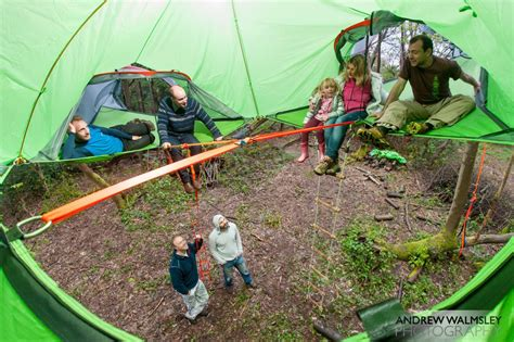 Tenda Great Outdoor 2 Person c in the air new suspended treehouse tents and hammocks designed by tentsile colossal