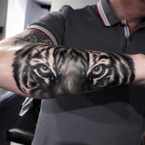tiger tattoo on forearm forearm tiger tattoos www imgkid the image kid has it