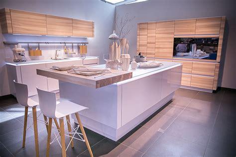 arbeitsplatte küche streichen wohnzimmer decken design