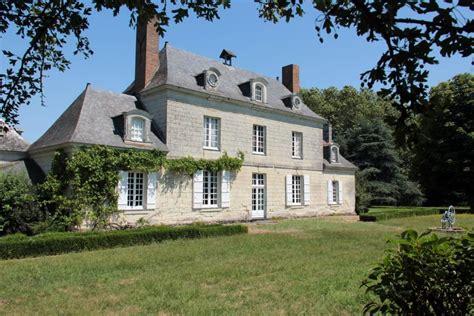 Cabinet Lenail by Cabinet Le Nail Petit Chateau Maisons