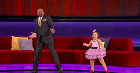 woman on steve harvey show with extensions this little girl teaches steve harvey a thing or two about