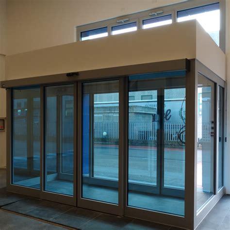 bussole ingresso doppia vetrata d ingresso in alluminio con porte