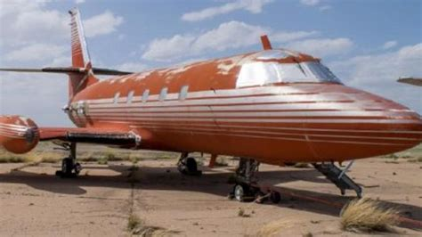 elvis presley plane elvis presley s plane to be auctioned aol uk travel