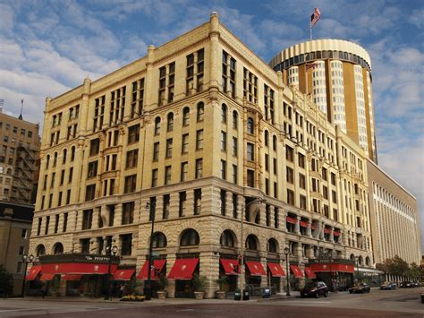 Hotels With In Room In Milwaukee Wi by Pfister Hotel Milwaukee Wisconsin Hotel Review Photos