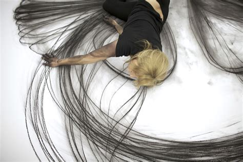 modern drawings artist uses movements to create stunning charcoal
