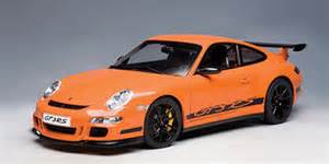 autoart: porsche 911 (997) gt3 rs orange w/ black