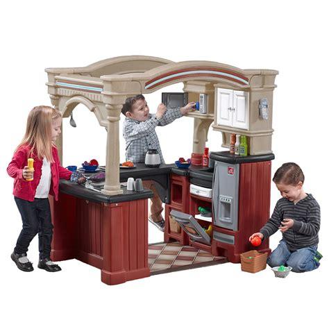 step 2 play grand walk in kitchen kids play kitchen step2