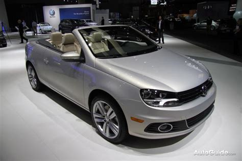 how things work cars 2012 volkswagen eos on board diagnostic system la 2010 2012 volkswagen eos introduced by heidi klum 187 autoguide com news