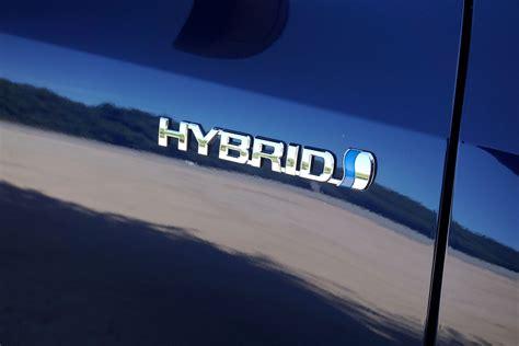 toyota hybrid logo 2016 toyota highlander review digital trends