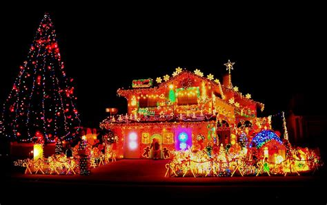 the ultimate festive homes 6 crazy christmas light