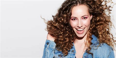 tips that work for thick curly or wavy hair curls understood pro tips for adding volume and thickness to fine thin