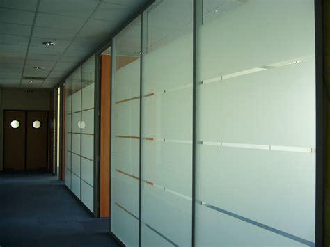 am駭agement bureaux professionnels r 233 alisations vitr 233 e porte pleine espace cloisons alu