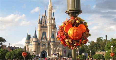 halloween  walt disney world  haunts  howls  family  love
