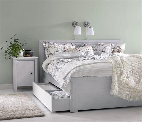 ropa para camas soluciones para decorar y organizar un dormitorio peque 241 o