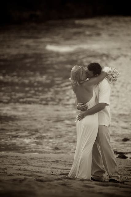 BEST WEDDING IMAGE OF 2008   Photographers WITH MORE THAN