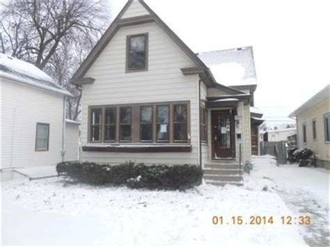 houses for sale in west bend wi 509 s 5th ave west bend wi 53095 reo home details foreclosure homes free