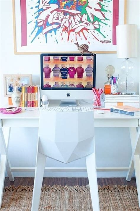 how to decorate a desk