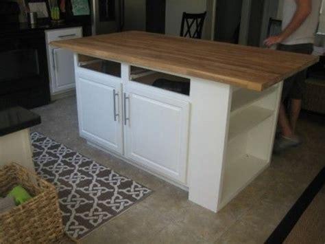 simple kitchen islands best 25 kitchen island ideas on