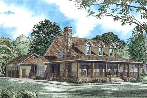 traditional farmhouse plans house plan 153 1940 4 bdrm 2 173 sq ft farmhouse home theplancollection