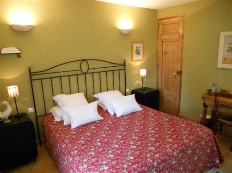 chambre d hote gordes 84 chambres et table d h 244 tes de charme la badelle gordes