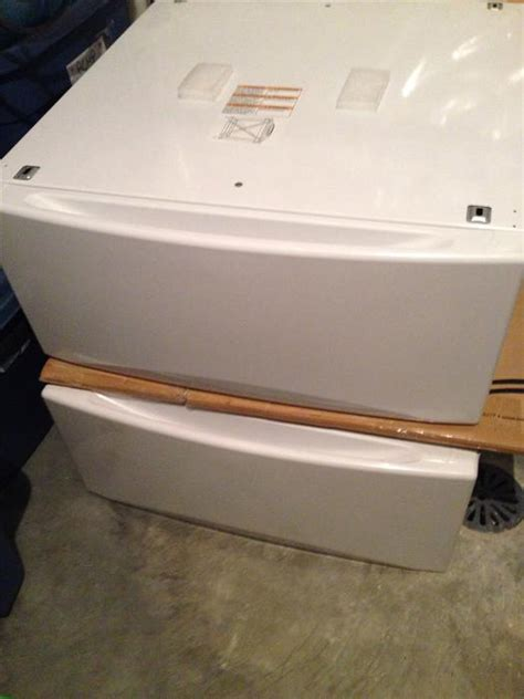 Used Pedestals New Ge Front Load Washer And Dryer Pedestals