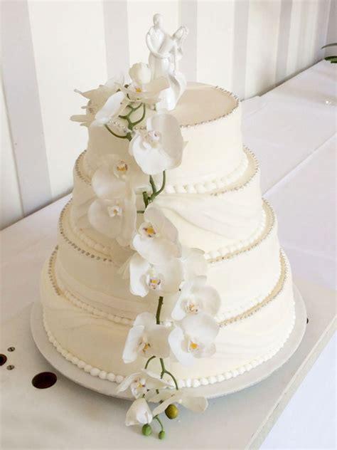 Hochzeitstorte Gelb by Tabler Hochzeits Torte Mit Echten Orchideen Ganz Schlicht