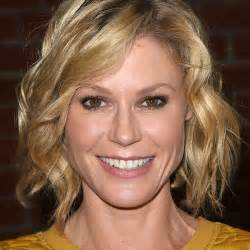 modern family hairstyles modern family julie bowen interview popsugar celebrity
