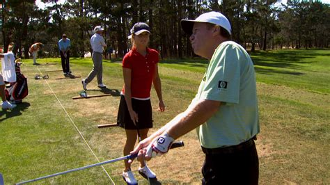jeff sluman golf swing jeff sluman gives chipping tips to junior golfer golf