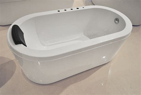 How Is A Bathtub nazzano acrylic modern bathtub 63 quot