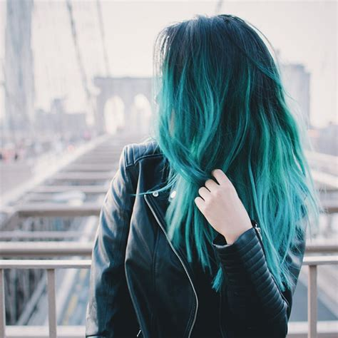 should i dye my hair or highlight at fifty years old 5 hair color trends you should not miss for this autumn