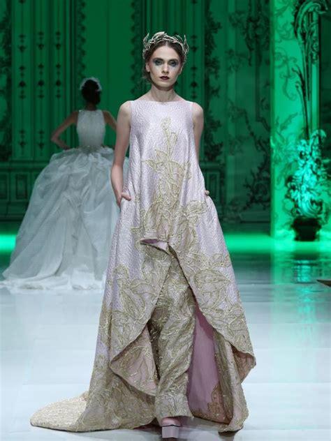 Sepatu Nari Balet gaun pengantin bersiluet longgar akan jadi tren 2016 sewarga