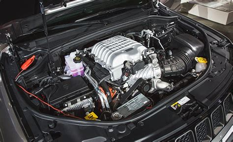 trackhawk jeep engine 2018 jeep grand trackhawk official photos and