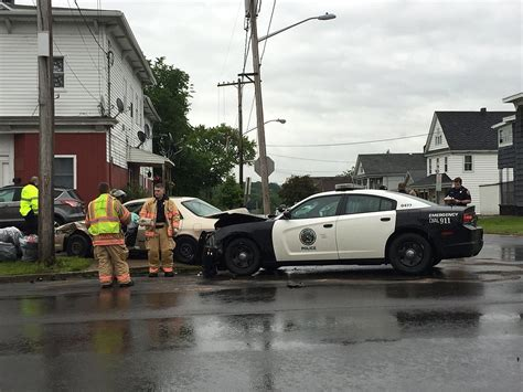 Syracuse Arrest Records Syracuse Car Involved In Crash On City S Side Syracuse