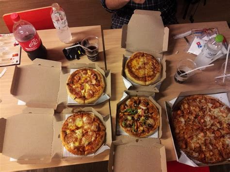 dominos pizza sizes inches dominos small pizza size best pizza 2017