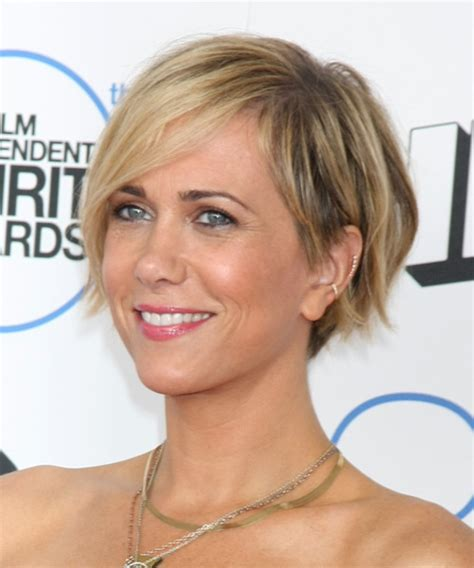 Kristen Wiig Short Straight Casual Hairstyle with Side