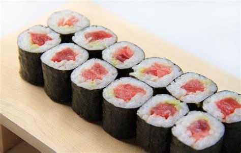 Diy Spring Home Decor tekkamaki tuna sushi roll recipe