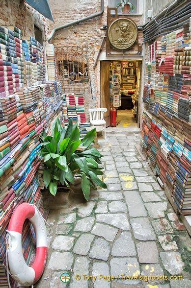 libreria acqua alta di frizzo luigi my favorite place in venice libreria acqua alta di