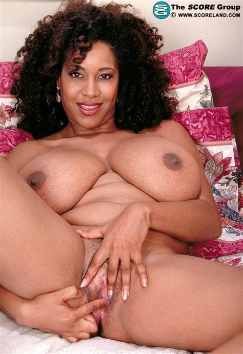 Big Boobs And Big Tits Pics Of Chaka T From Score Land Image At Coonyboobs