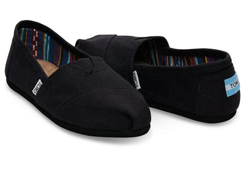 comfortable maternity shoes essentials during pregnancy must have products for a