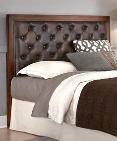 accessories splendid bedroom with brown leather tufted so comfy looking the trunk ls wall decor and