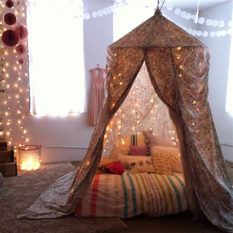 5 steps to building your own epic blanket fort 5 steps to building your own epic blanket fort i m